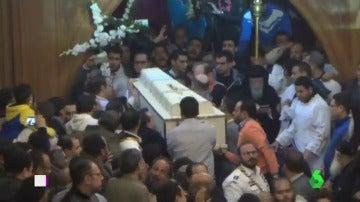 Funerales por las víctimas del tiroteo de Dáesh en una iglesia copta de El Cairo