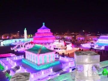 Comienza en China el mayor festival de esculturas de hielo del mundo
