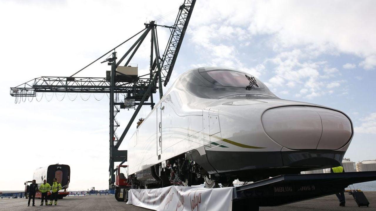 """Un tren AVE Talgo fabricado para Arabia Saudí, conocido como el """"AVE de los peregrinos"""","""