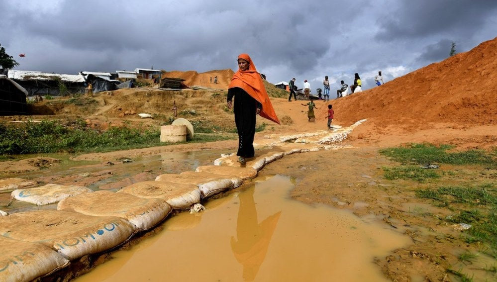 Rohingyas en un campo de refugiados de Bangladesh
