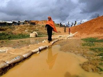 Refugiados rohinyás en el campo de refugiados de Jamtoli en el distrito de Cox's Bazar, Bangladesh