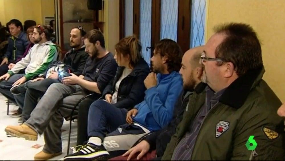Los trabajadores de la base naval de Rota se encierran para protestar contra los depsidos