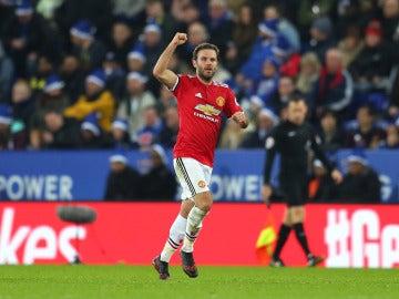 Mata celebra un gol con el Manchester United