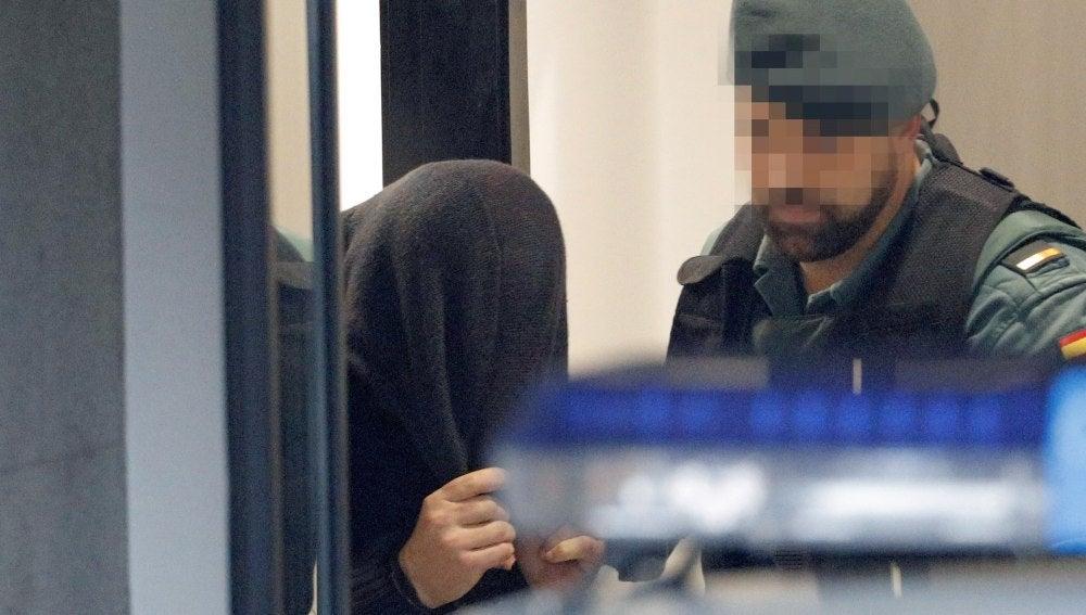 José Enrique Abuín Gey, 'el Chicle', detenido por la muerte violenta de la joven Diana Quer, es trasladado por agentes de la Guardia Civil