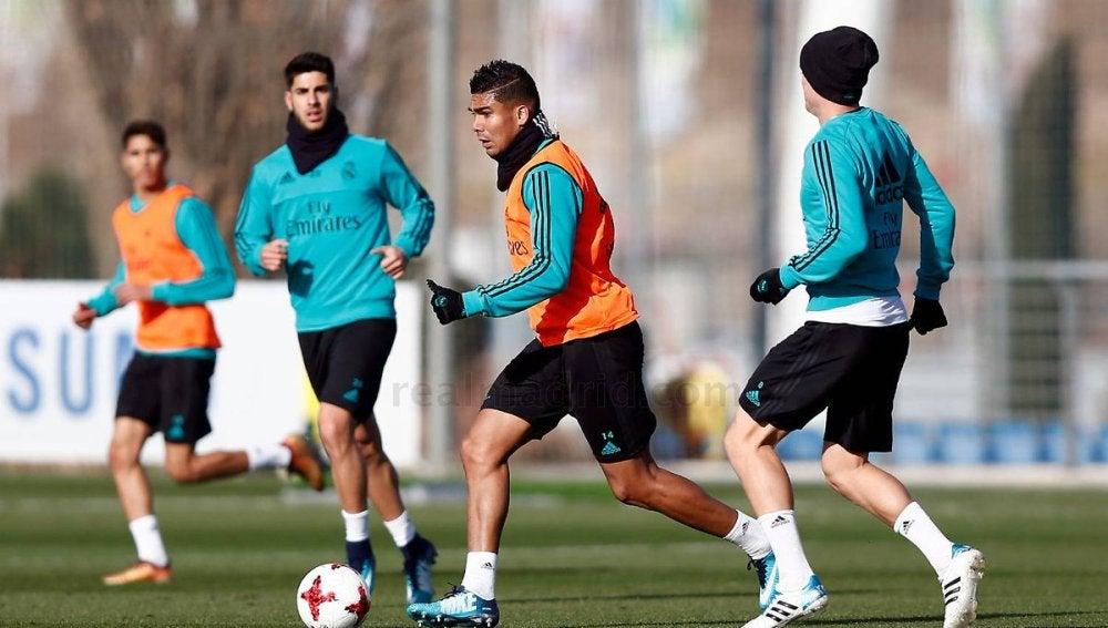 Casemiro durante el entrenamiento del Real Madrid