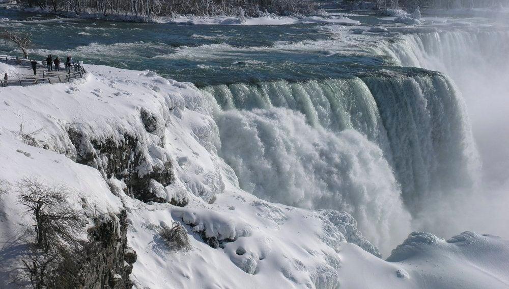 Las congeladas Cataratas del Niágara en el estado de Nueva York