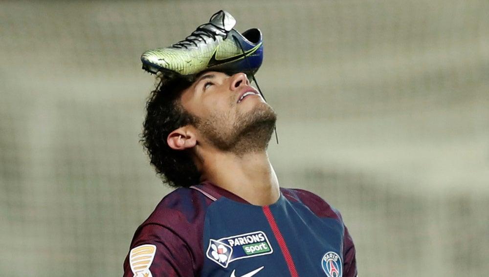 La peculiar celebración de Neymar ante el Amiens