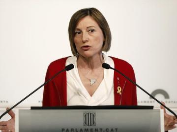 La presidenta del Parlament, Carme Forcadell, durante la rueda de prensa