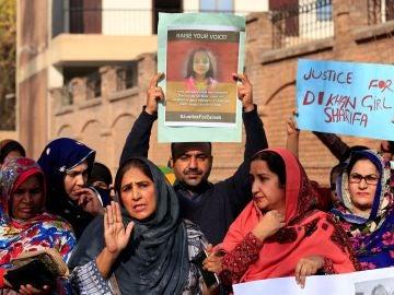 El cadáver de la niña apareció en un contenedor de basura en Pakistán