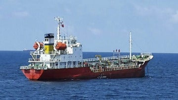 Fotografía de un petrolero en el Mar de China Meridional