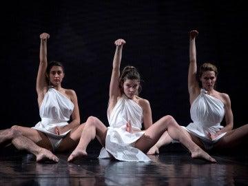 Un momento del pase gráfico de 'Mount Olympus', del director y coreógrafo belga Jan Fabre