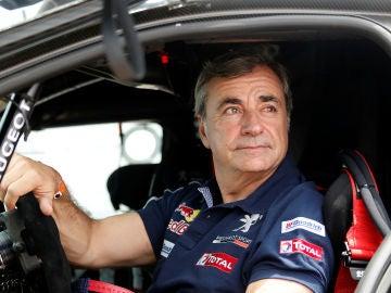 Carlos Sainz en su coche