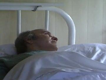 Ramón Sampedro postrado sobre su cama