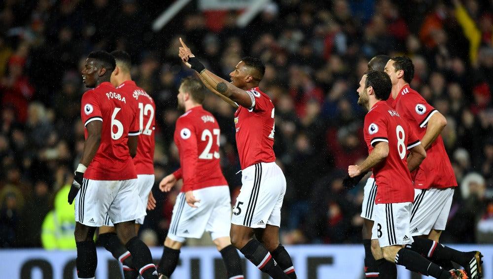 Los jugadores del United, eufóricos tras el gol