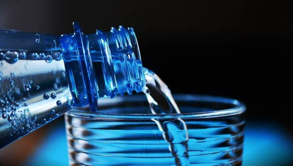 Imagen de una botella de agua