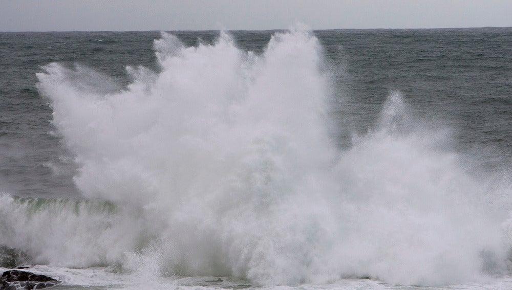Imagen de archivo de un día de fuerte oleaje