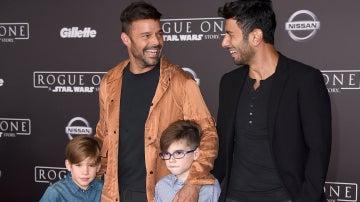 Ricky Martin junto a su marido y sus dos hijos