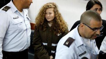 La niña palestina Ahed Tamimi seguirá en prisión