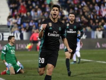 Marco Asensio celebra su gol con el Real Madrid