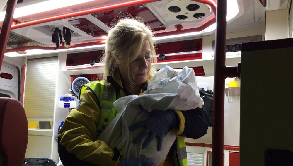 Rescatan a un bebé abandonado en Madrid