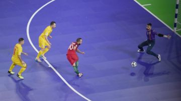 Ricardinho anota de rabona ante Rumanía en el Europeo de Fútbol Sala