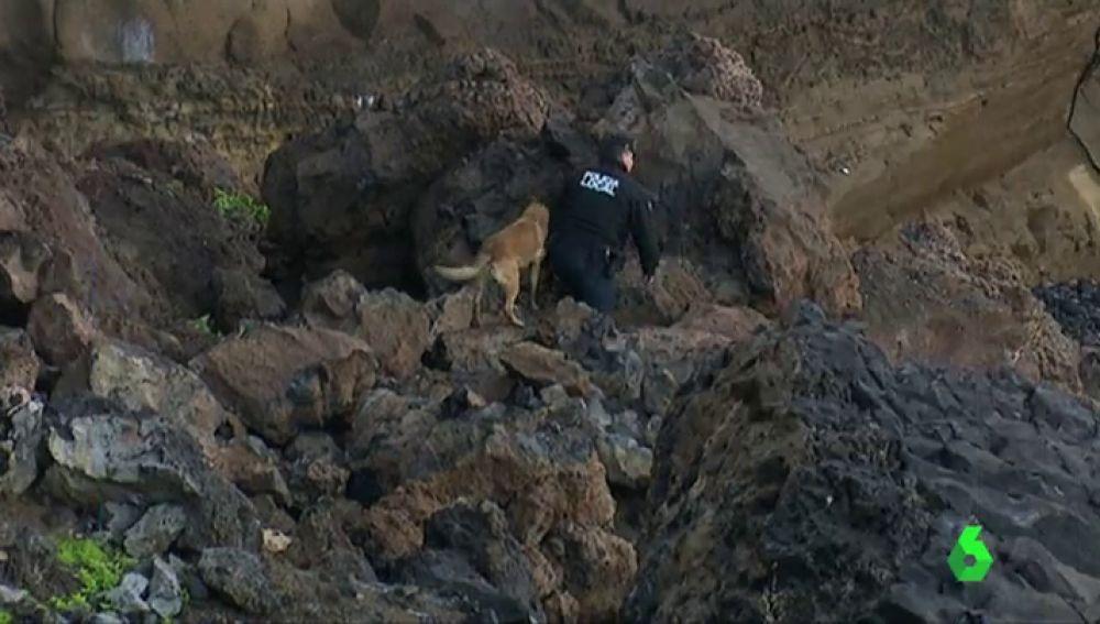 Los primeros rastreos no encuentran víctimas en un derrumbe en Las Palmas de Gran Canaria a causa de la lluvia