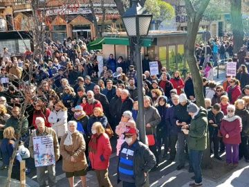 Cientos de personas protestan por la incineradora de Madrid