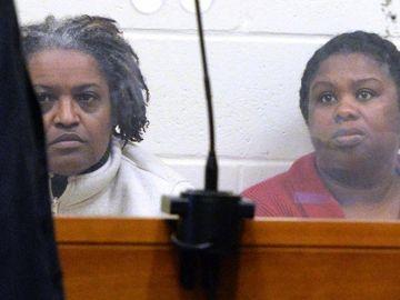 Las hermanas Peggy LaBossiere, de 51 años, y Rachel Hilaire, de 40