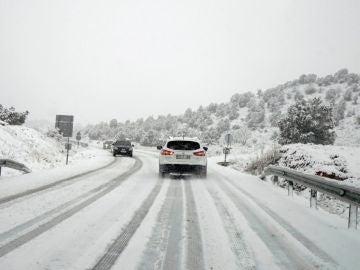 Un coche va desde Teruel a Cedrillas