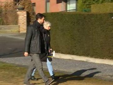 Toni Comín y clara Ponsatí llegan a la vivienda de Puigdemont en Bélgica