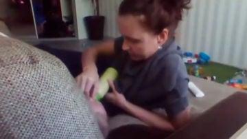 Anastasia Zhelyabova pillada 'in fraganti' maltratando a un bebé