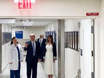 Donald Trump y Melania Trump en el hospital de Florida