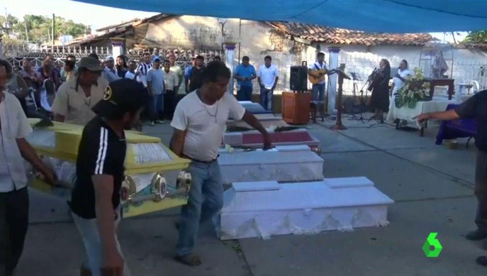 Funeral por los 13 fallecidos en un accidente de helicóptero en México