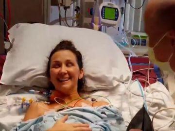 La emotiva reacción de una joven que respira por primera vez tras recibir un trasplante de pulmón