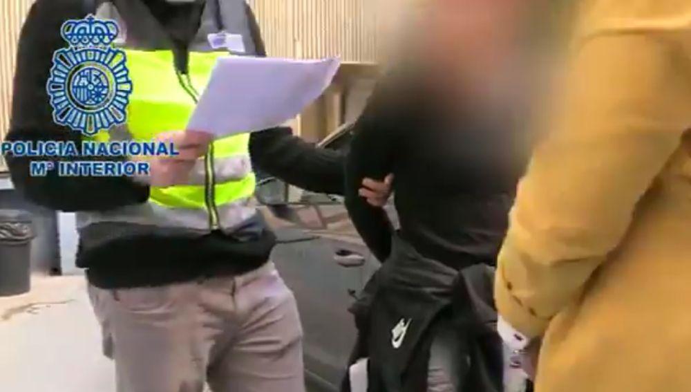 Detenidos en Valencia tras sustraer a un menor