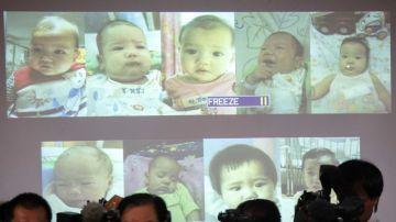 Algunos de los 13 bebés que el hombre tuvo a través de vientres de alquiler