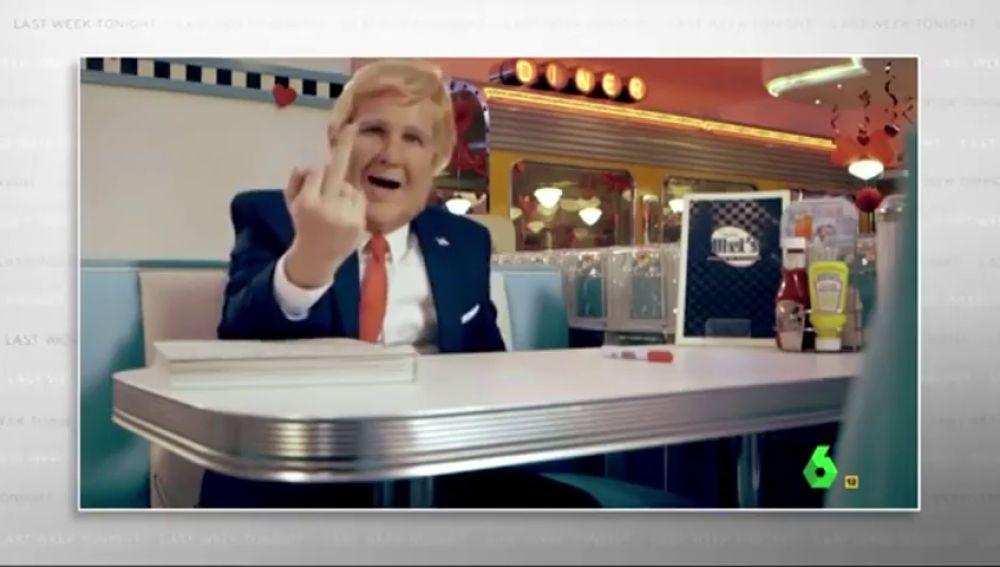 """El Donald Trump de Joaquín Reyes se cuela en el 'Last Week Tonight' de John Oliver: """"España le imita bailando como un idiota"""""""