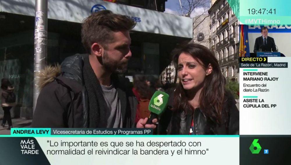 Andrea Levy canta el himno de España de Marta Sánchez