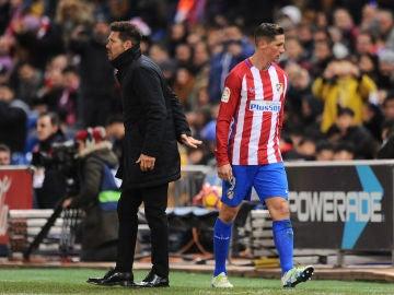 Fernando Torres es sustituido durante un partido