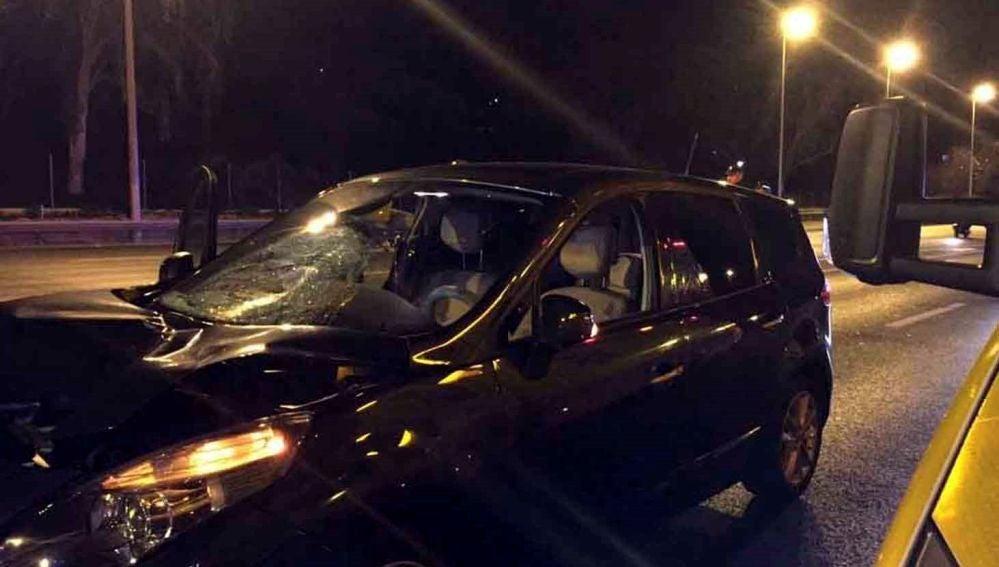 Fotografía cedida por el Ayuntamiento de Madrid del vehículo que ha atropellado a la mujer