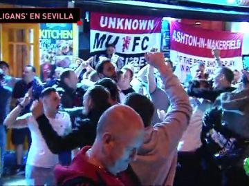 Los hooligans del Manchester United se hacen notar en Sevilla