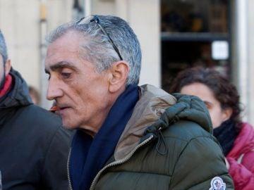 Julio Araújo antes de entrar en comisaría