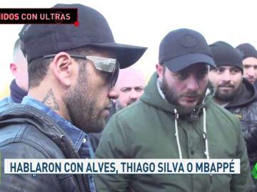 Los jugadores del PSG se reúnen con los ultras antes del partido de vuelta contra el Madrid