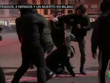 Barras, puñetazos, pelotas de golf, botellas, bengalas: radoigrafía de los ultras que la liaron en Bilbao