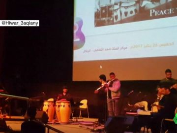 Primer festival de jazz en Arabia Saudí: una valla separa en el público a los hombres de las mujeres