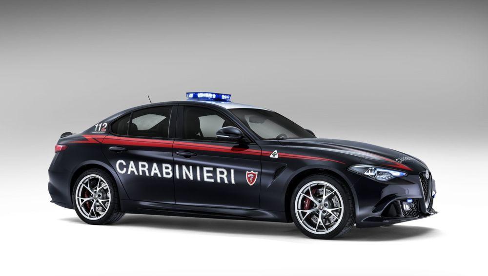 alfa-romero-giulia-carabinieri-2016-07.jpg