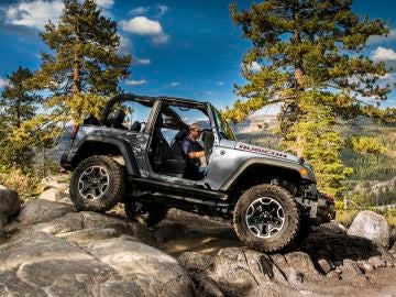 jeep-wrangler-0116-02.jpg