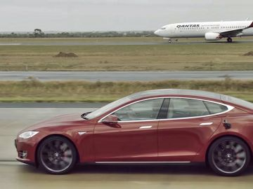tesla-model-s-vs-boeing-737-qantas-drag-2016-00.jpg