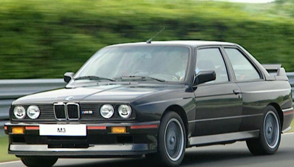 BMW-M3-ANTENA-3.png