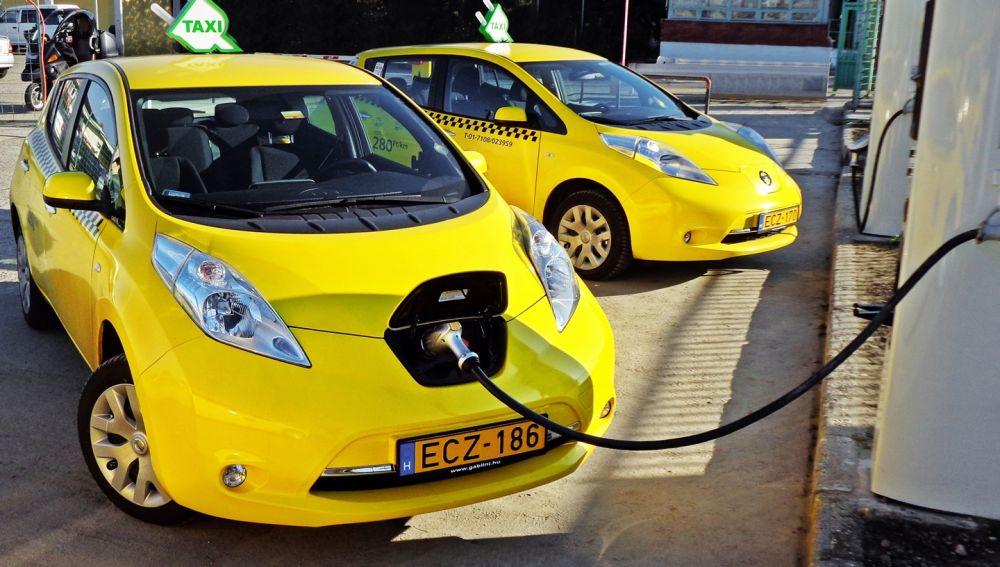 nissan-leaf-taxi-1115-139744_1_5.jpg